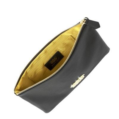pochette zippée en cuir...