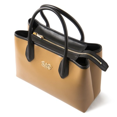 Smooth leather tote bag, caramel color - view on fermeture
