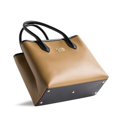 Smooth leather tote bag, caramel color - side view