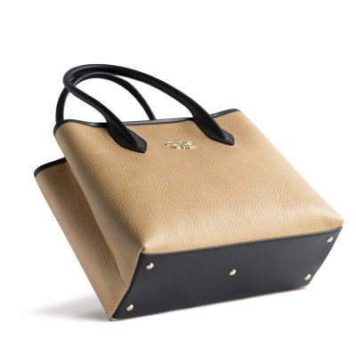 Grained leather Tote beige color - side view