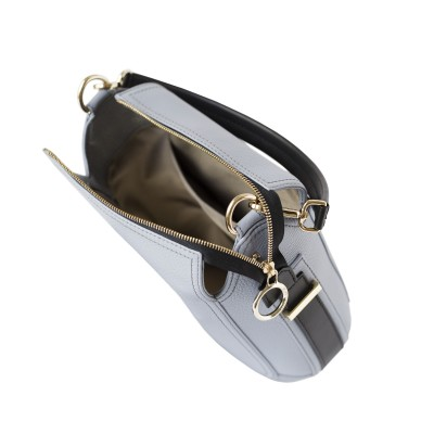 """Crossbody bag """"NEW FRENCHY"""" in grained leather, grey lavender color, open"""