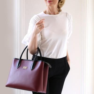 Smooth leather tote bag, burgundy color - model