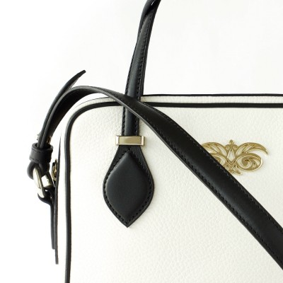 JULIETTE, leather handbag in grained leather, white color - details