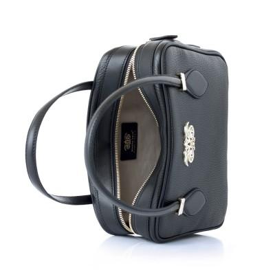 JULIETTE, leather handbag in grained leather, black color - open