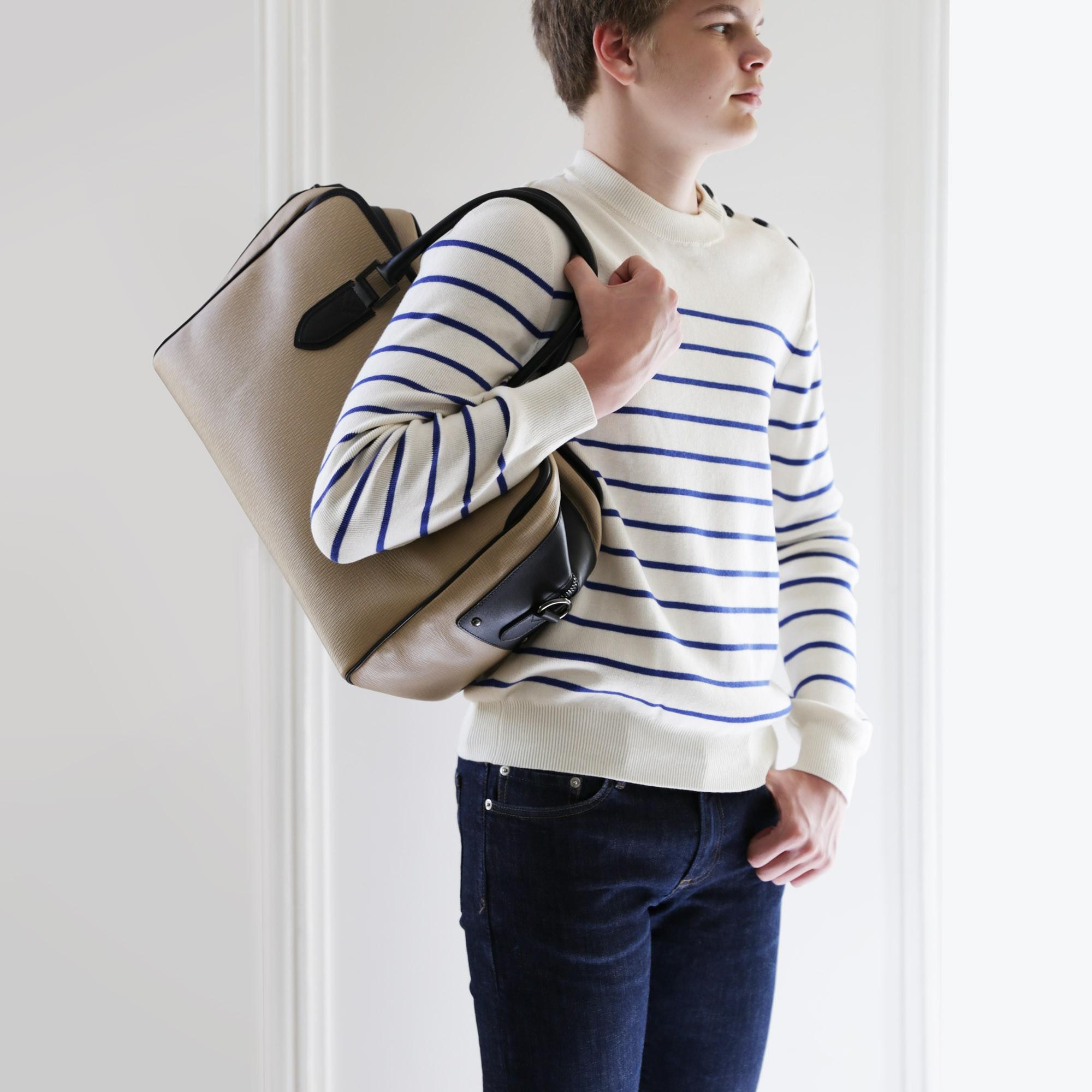 48h handbag for men in grained calf leather beige color - on shoulder