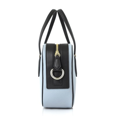 JULIETTE, leather handbag in grained leather, grey lavender color - profile view and details