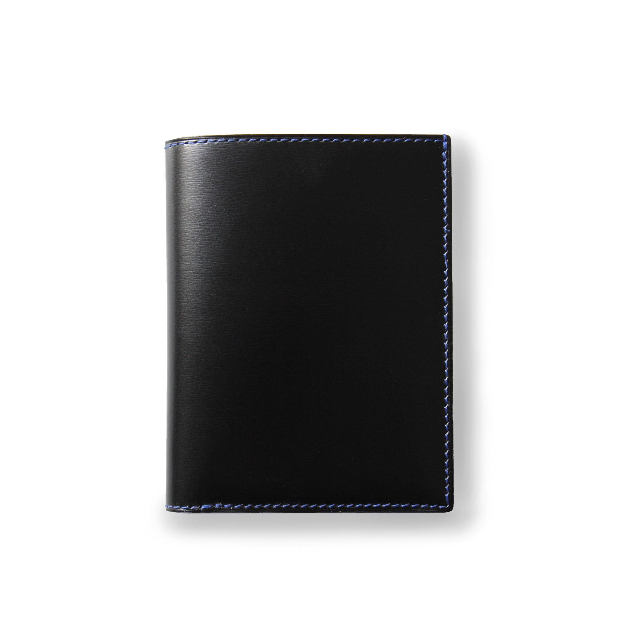 """porte-cartes et pièce d'identité """"VENDÔME"""" en cuir noir, finition box doublé de veau lisse, coloris bleu Roi - vue fermé"""