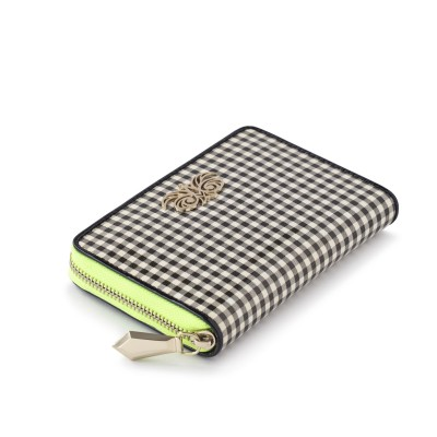 Zip around wallet NEW YORK in varnished leather, vichy checks - side view