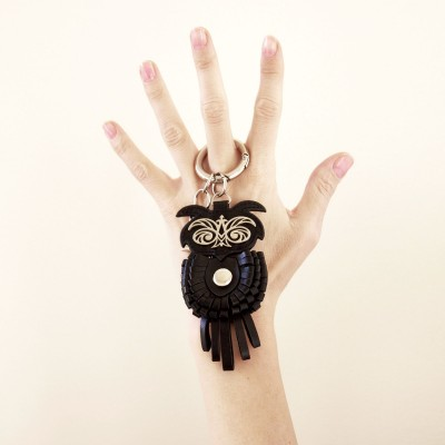 Key holder and bag charms OWL in black leather - on hand