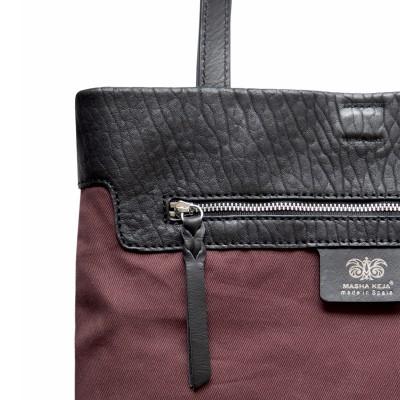 Soft lamb leather shopper, Medium size, black color - zoom on details