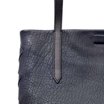 Soft lamb leather shopper, Big size, navy blue color -detail